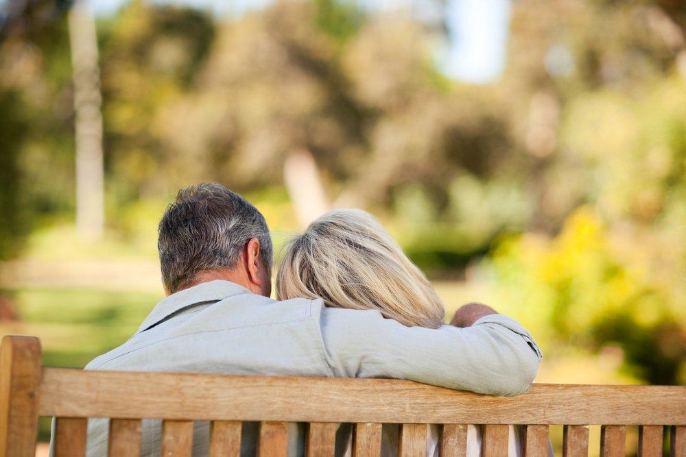 Back-of-eldery-couple-on-bench